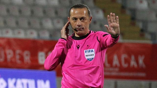 Cüneyt Çakır EURO 2020 son 16 turunda görev yapacak