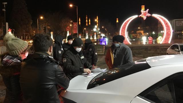Edirnede kısıtlamayı ihlal eden yabancı uyruklu 4 kişiye ceza