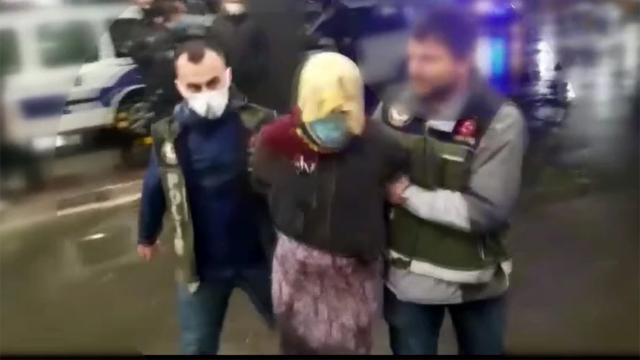 Kadın kıyafetiyle kaçan firari hükümlü yakalandı
