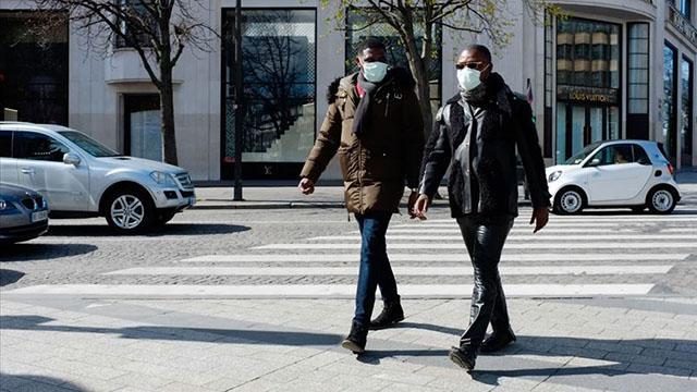 Fransada son 24 saatte 25 bin 207 kişide COVID-19 tespit edildi