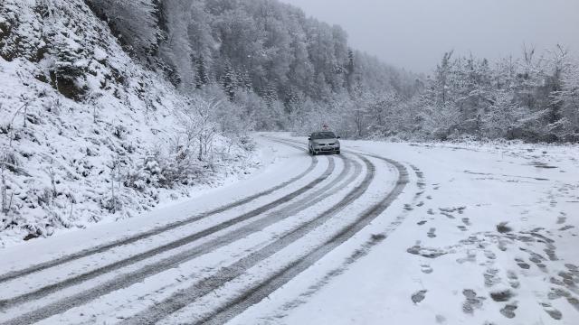 Sakarya, Kocaeli, Karabük ve Bartının yüksek kesimlerine kar yağdı