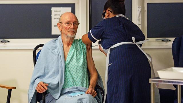 İngilterede yaklaşık 4,5 milyon hasta tedavi olmayı bekliyor