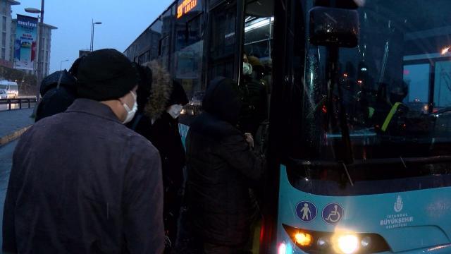 İstanbulda toplu taşıma için HES kodu zorunluluğu başladı
