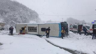 Zonguldak'ta yolcu otobüsü devrildi: 15 yaralı