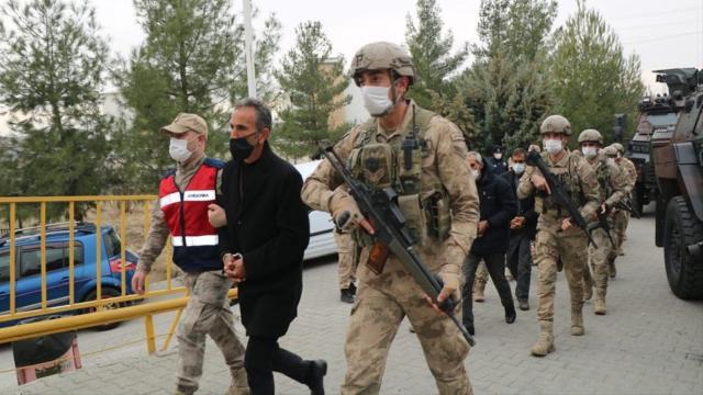 Diyarbakırda PKK operasyonu: 6 kişi tutuklandı