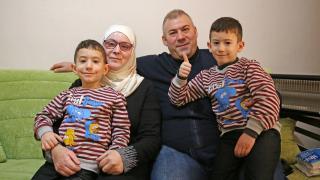 Bombalarla kapanan gözleri Türkiye'de açıldı: 2 yıl sonra çocuklarını gördü