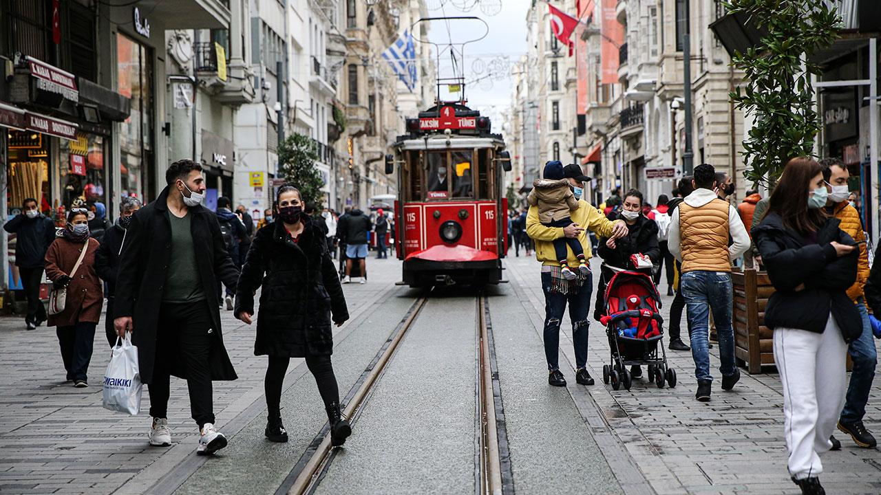 İstanbul'da vaka sayıları düşüyor