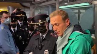 Rus muhalif lider Navalny gözaltına alındı