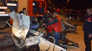 Antalya'da iki otomobil çarpıştı: 3 ölü