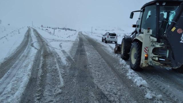 Balıkesirde 284 mahalle yolu ulaşıma kapandı