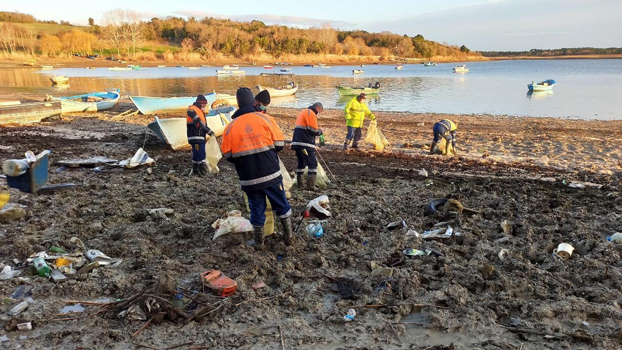 İstanbul barajları 40 ton çöpten temizlendi