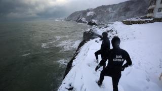 Karadeniz'de batan kuru yük gemisindeki kayıp kişilerin arama çalışmaları sürüyor