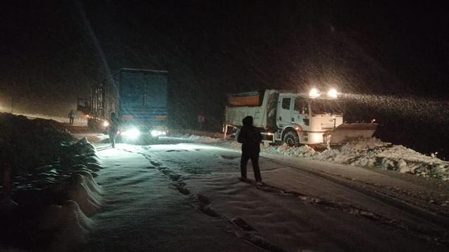 Kar yağışı şehirler arası ulaşımı aksattı
