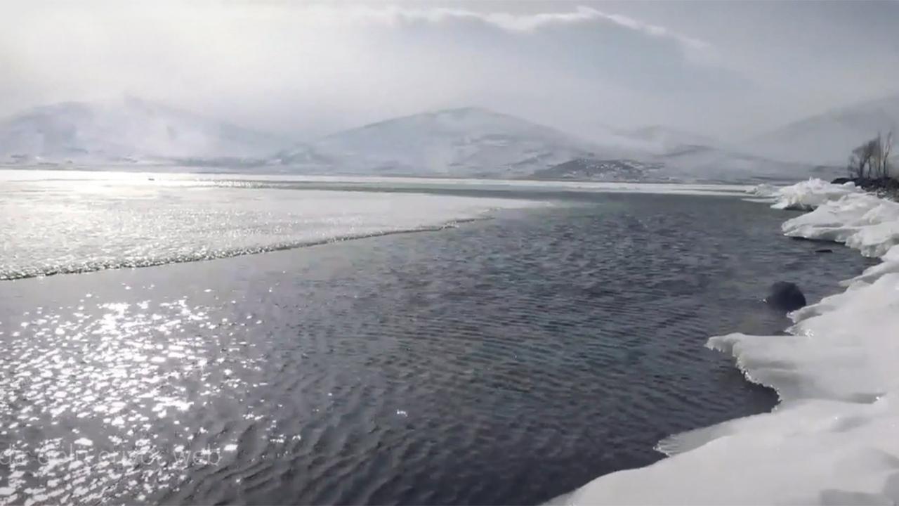 Çıldır Gölü eriyor