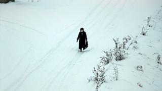 Doğu Anadolu'da etkili olan kar yağışı hayatı olumsuz etkiliyor