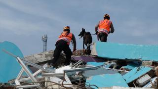 Endonezya'daki depremde ölenlerin sayısı 81'e ulaştı
