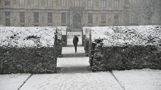 Fransa'da kar 'turuncu alarm' verdirdi