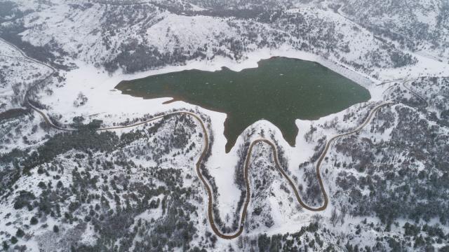 Kahramankazanda kar kartpostallık manzara oluşturdu