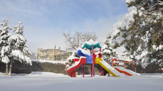 Malatya ve Kahramanmaraşta kar yağışı etkili oldu