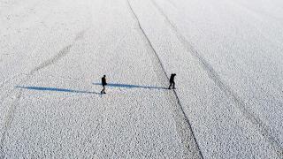 Buz tutan Kazan Gölü, doğaseverlerin uğrak yeri oldu