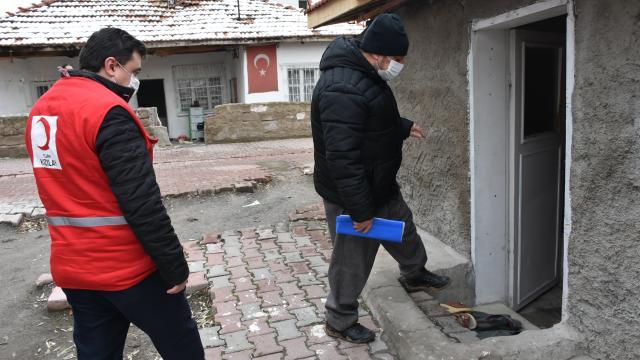 Türk Kızılay, Kırıkkalede ihtiyaç sahibi 6 aileyi sıcak yuvaya kavuşturdu