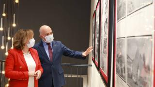 'Bitmeyen Dayanışma Hikâyemiz: Kızılay' sergisi açıldı