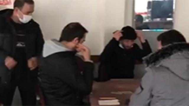 Beyoğlu ve Kağıthanede kumar oynayan 42 kişiye 145 bin lira ceza