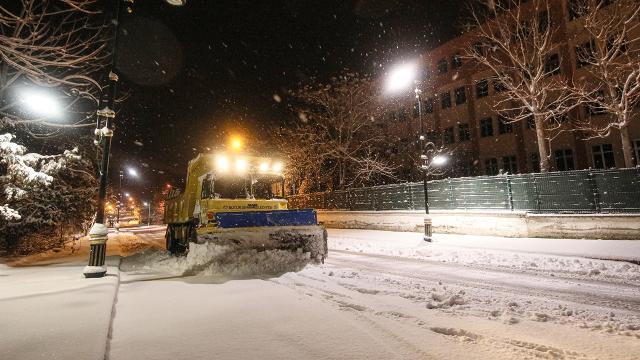 Malatya kent merkezine mevsimin ilk karı yağdı