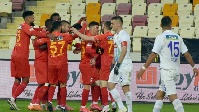 Yeni Malatyaspor Rizesporu rahat geçti