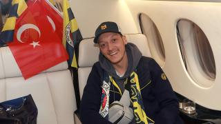 Mesut Özil'den galibiyet paylaşımı