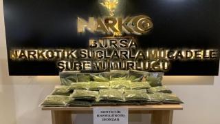 Evinde 13 kilogram uyuşturucu ele geçirilen satıcı tutuklandı