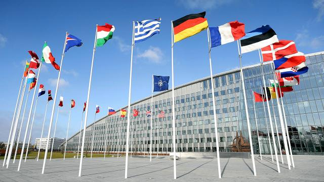 Türkiye-Yunanistan askeri heyetleri NATOda bir araya geldi