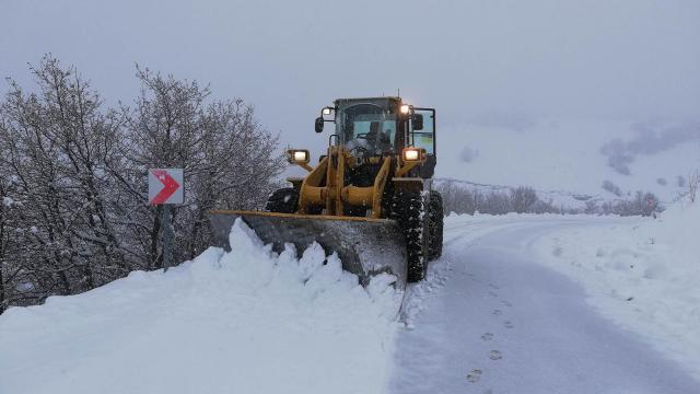 177 köy yolu kar nedeniyle ulaşıma kapandı