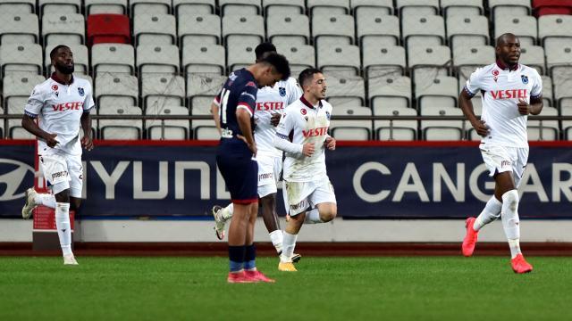 Trabzonspor puanı uzatmada kurtardı