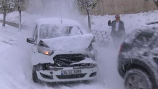 İstanbul'da kar yağışı birçok kazaya sebep oldu