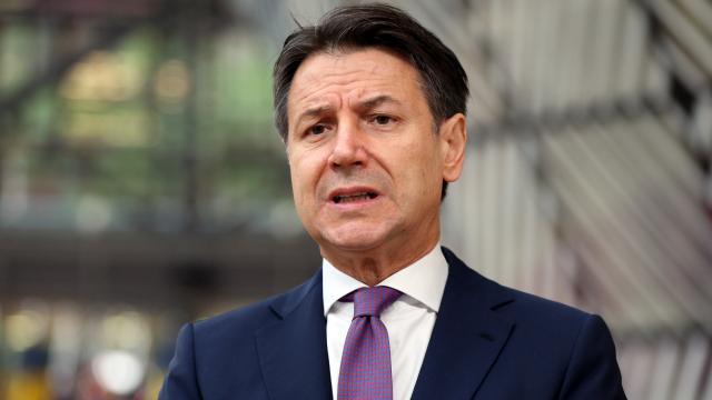 İtalya Başbakanı Conteden ilaç firmalarına tepki