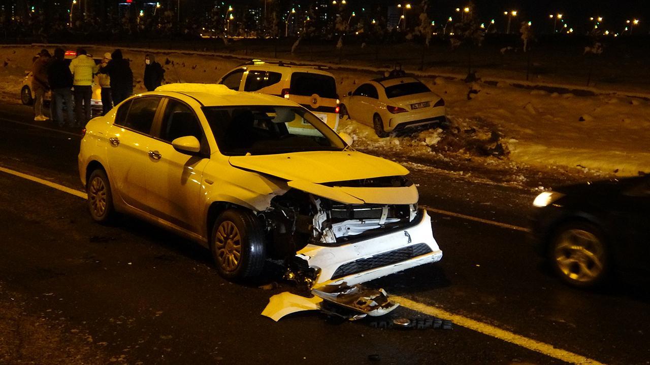 Diyarbakır'da 22 otomobil birbirine girdi: 10 yaralı