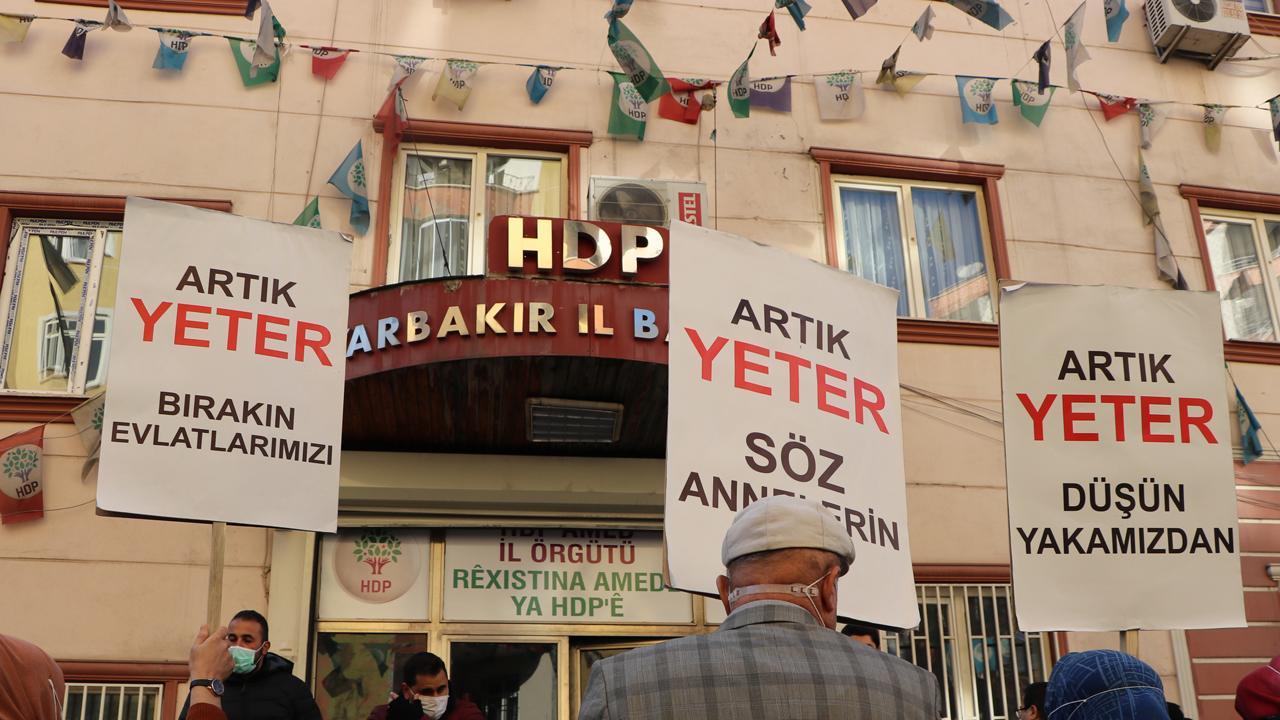 HDP ve PKK'nın şifreli görüşmesi: Kumaş hazır, terziye gönderiyorum