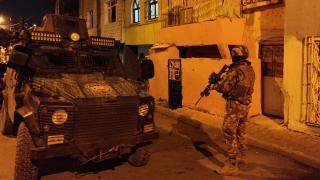 İstanbul ve Adana'da zehir tacirlerine operasyon