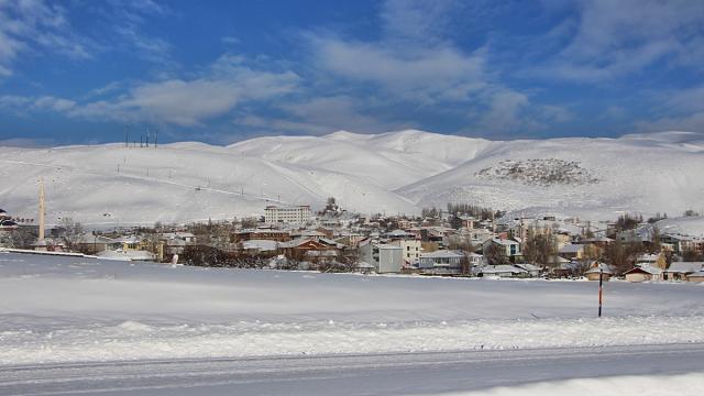 Karlıovada dondurucu soğuklar yaşamı olumsuz etkiledi