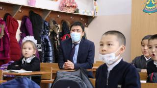 Kırgızistan'da okullarda yüz yüze eğitim kısmi olarak başladı