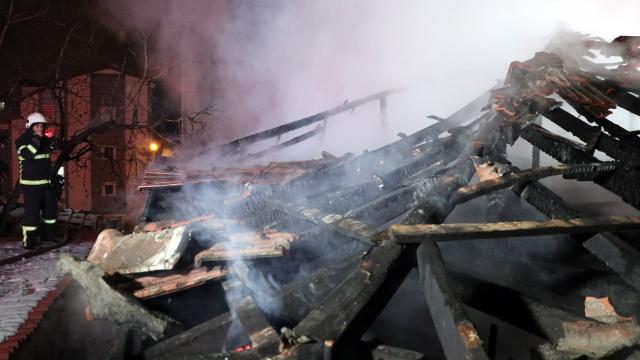 Kocaelinin iki ilçesinde ev yangını