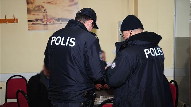 Kocaelide tedbirlere uymayan 309 kişiye para cezası
