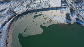 Sivas'ta soğuk hava gölet yüzeylerini dondurdu