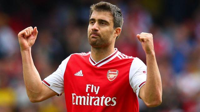 Arsenal Sokratis ile yollarını ayırdı