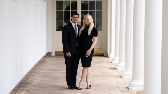 Trumpın kızı Beyaz Sarayda nişanlandı