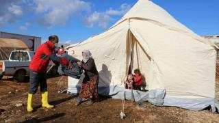 Türk Kızılay İdlib'deki selzedelere yardım gönderdi