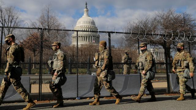 Bidenın yemin törenine katılacak 12 ulusal muhafız görevden alındı