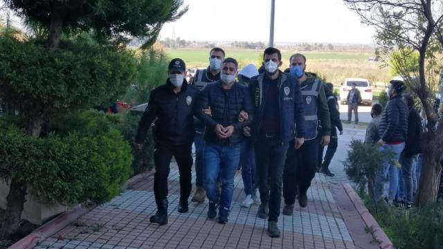 Adanada yasa dışı bahis operasyonu: 7 gözaltı