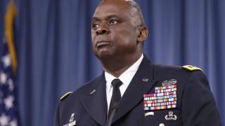 Lloyd Austin, ABD'nin ilk siyahi Savunma Bakanı oldu